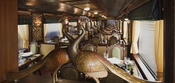 maharaja-express-rang-mahal-dining-car