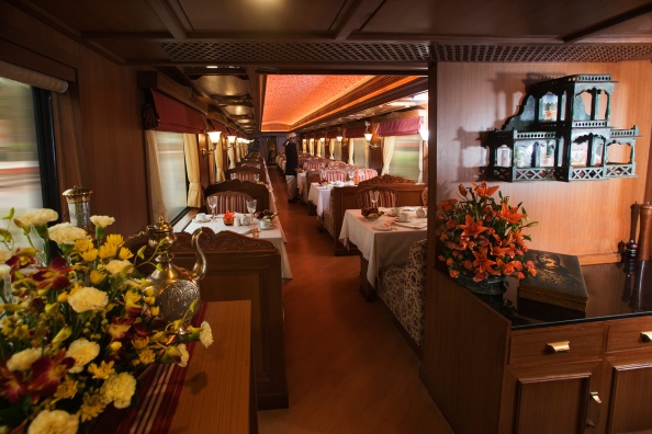 The-Rang-Mahal-restaurant-on-board-the-Maharajas-Express