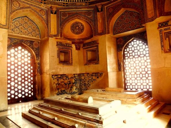 Jamali Kamali Tomb with Graves inside