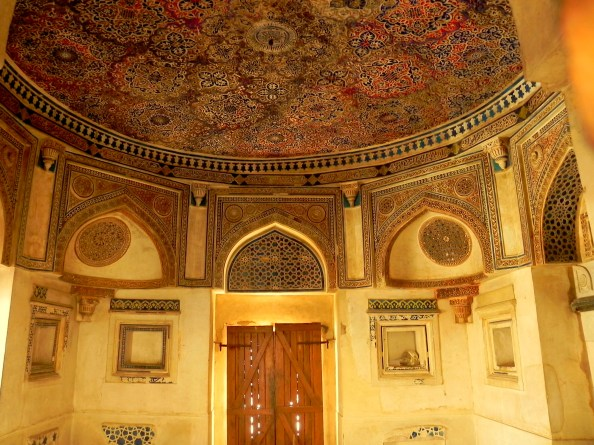 Jamali Kamali Tomb Interior Design