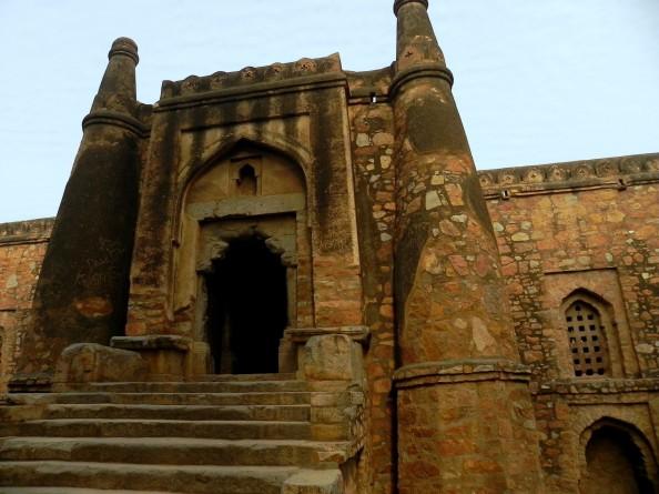 Khirki Masjid - Mosques in Delhi